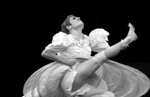 Aurélie BURGEOT - danseuse interprète co-chorégraphe